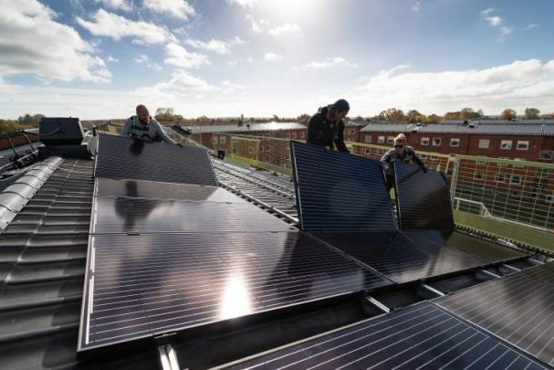 Öresundskraft levererar sin största solcellsanläggning hittills, i Ängelholm.