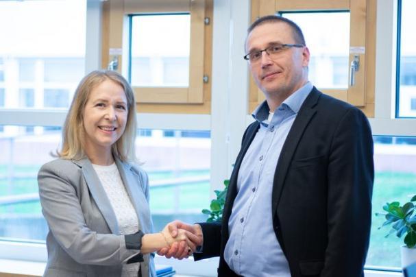 Lovisa Fricot Norén, vd Tekniska verken Linköping Nät AB and Tekniska verken Katrineholm Nät AB och Tommi Blomberg, vd för Aidon-koncernen.