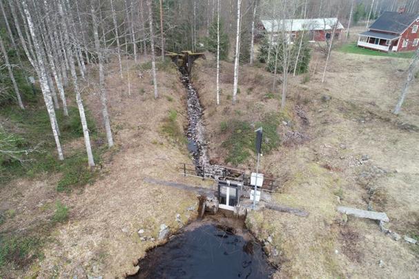 Östra Harasjön damm.