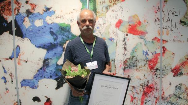 En av vinnarna (Jens Rydell) av Skånes vindkraftspris 2017