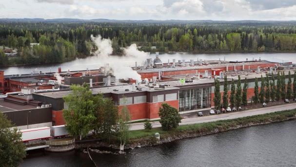 Metsä Tissue kommer i framtiden avända flytande naturgas i torkningsprocessen för papperet produktionsprocesserna på mjukpappersfabriken i Mänttä och på så sätt minska bolagets koldioxidutsläpp.