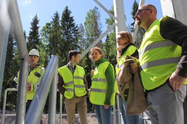 Maria Weimer besökte den nya biogasanläggningen i Forsbacka.