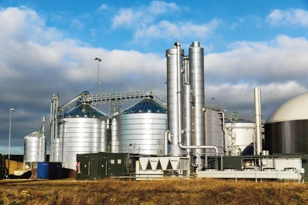 Utöver gödsel föreslås att även biogasproduktion från rötning av substrat som matavfall och avloppsslam, samt restprodukter från jord- och skogsbruk, omfattas av det utvidgade stödet på 270 miljoner kronor för 2018. På bilden ärSveriges största rötningsanläggning för biogas,Jordberga biogasanläggning.Sveriges största rötningsanläggning för biogas.