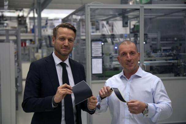 Dennis Helfridsson, chef för ABB:s affärsområde Robotics & Discrete Automation i Sverige och tillträdande vd för ABB Sverige och Giovanni Fili, CEO på Exeger.