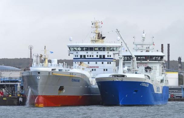 LNG-bunkerfratyget Coralius bunkring av Ternsund tidigare i oktober. Under fredagen var det Tern Ocean som bunkrades, då under lastning.