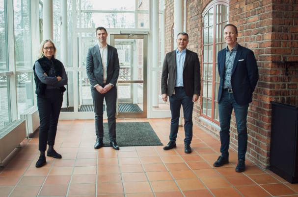 I bild: Elin Bertilsson, VD Nodena samt VD MittNät, Karlstad, David Hjälmgården, VD Fibra, Västerås, Johan Odensåker, tf VD Utsikt Bredband, Linköping, Peter Lilja, VD Kumbro, Örebro.