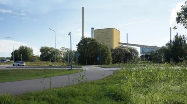 Mälarenergi fasar ut kol och olja som bränslen. Mark- och miljödomstolen har beviljat miljötillstånd för den nya anläggningen.