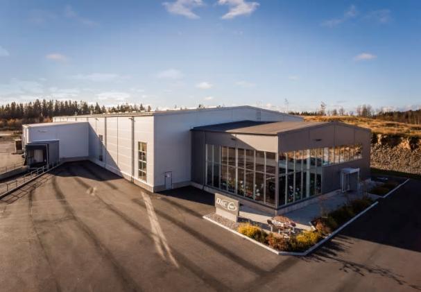 Nu har den första fastigheten iindustriområdet Höganloft i Tranås, kopplats in på utbyggnad av fjärrvärmenätet.