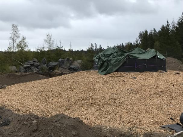 Valet för isolering av betongfundament i vindkraftsparken i Slagerydblev lokalt producerad flis istället för importerad plast.