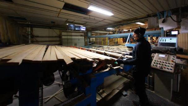 Sedan någon månad tillbaka är sågverket i Kalix åter igång och för leveransen av värmen står nu Solör Bioenergi.