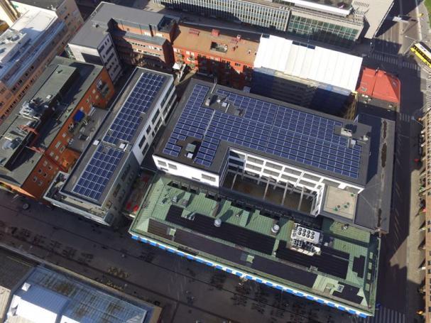 Solceller påCastellum-byggnad i Uppsala.