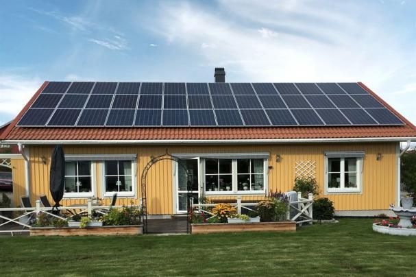 Bilden är tagen av Hans Nergell, en av Telge Energis 1000st solelproducenter.