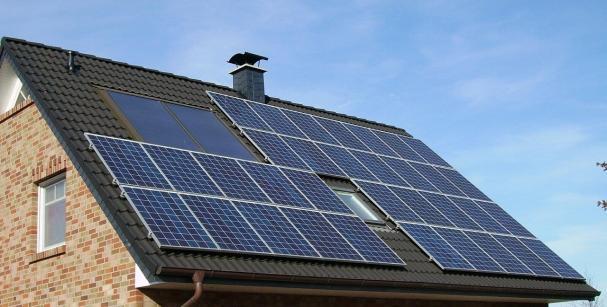 Det ska vara tryggt att använda solel i hemmet, industrin och på kontoret.