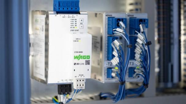 WAGOs DIN-Rail-nätaggregat från Pro 2-serien kan utvidgas med en kommunikationsmodul för datautväxling via en PLC eller IoT-gateway.