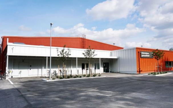 Mälarhöjdens gymnastikhall är en av byggnaderna som nu kopplas upp till det nya, AI-baserade fastighetssystemet.