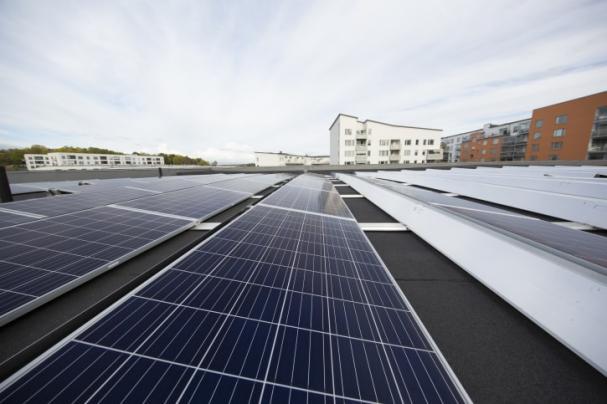 Eneo Solutions bygger solceller på Asecs köpcentrum i Jönköping. Anläggningen blir den största i länet.