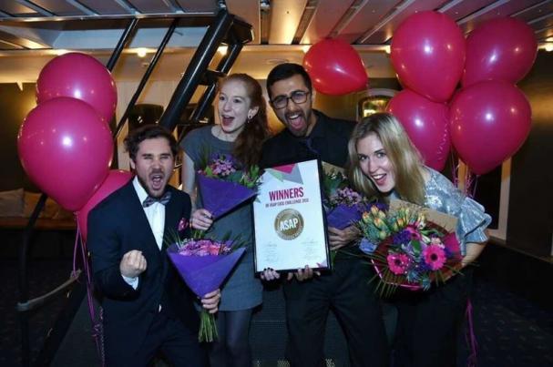 De vinnande deltagarna Aman Kapoor, Jonathan Sigvant, Ida Pehrson ochJoanna Krol.