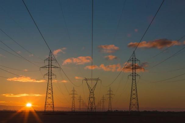 Den kraftiga variationen på elpriserna är en effekt av att den förnybara elen är beroende av väder.