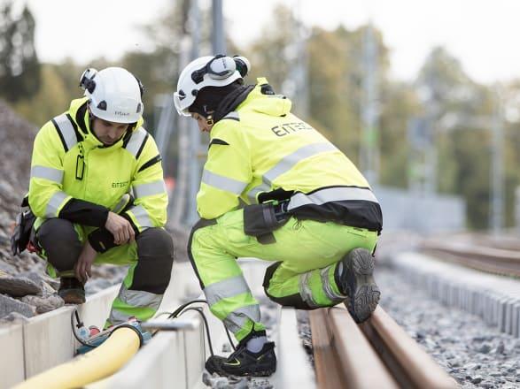 Uppdraget avser ansvar för mark-, kanalisations-, el-, signal- och telearbeten i projekt Villersmuren, en ny tvåspårig driftplats längs Bergslagsbanan.