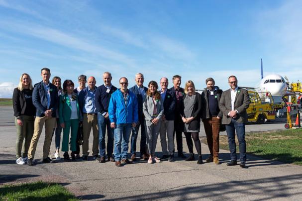 Pressträff på Åre Östersund flygplats med de elva företag och organisationer i Jämtland som tillsammans engagerat sig för klimatet och regionen.