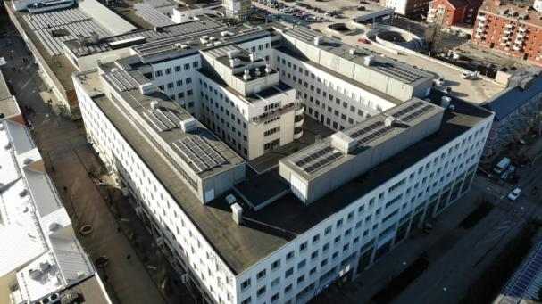 Lundbergs Fastigheters nya solcellsanläggning på kvarteret Lyckan i Norrköping.