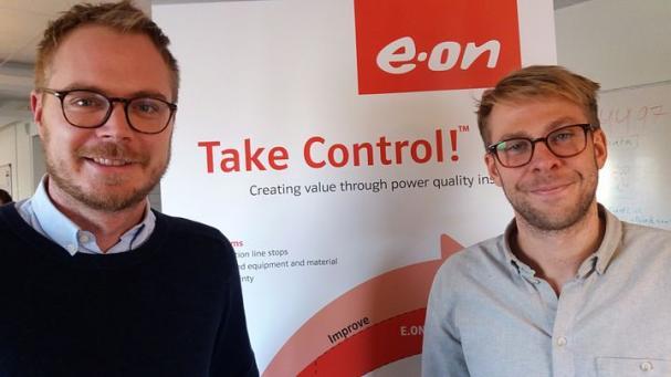 John Backe och Christoffer Josefsson som ligger bakom konceptet att hjälpa kunderna med spänningskvaliteten.
