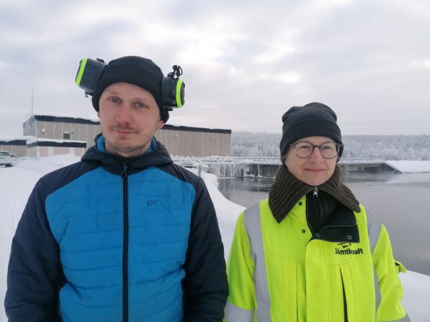 Robert Hugosson, utvecklingsingenjör, och Susann Handler, som är projektledare.