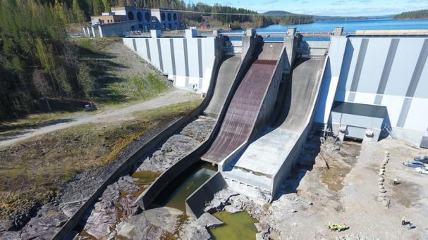 Ramsele kraftverk, som ligger i Faxälven nära Nässjö by i Västernorrland, har levererat energi sedan i slutet av 50-talet. En 400 meter lång betongdamm utgör basen i kraftverket.
