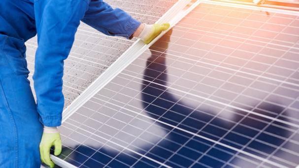 Montering av solceller.