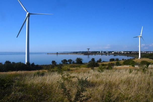 Nu vill Landskrona stad, E.ON och Landskrona Energi utreda om man kan komplettera den nuvarande elproduktionen med vindkraft på Gipsön med en solcellsproduktion.