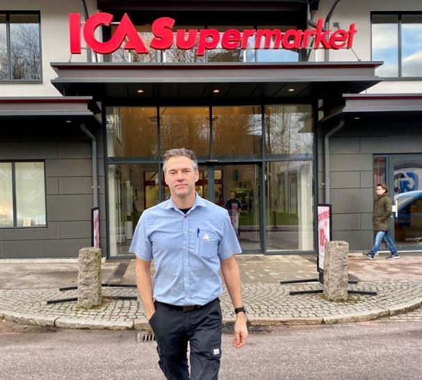 Daniel Hallberg, ICA-handlare.