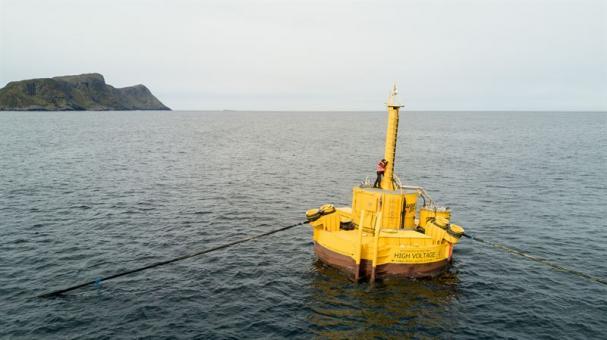 Waves4Powers vågkraftsystem består av WaveEL bojen, en kopplingshubb samt specialutvecklade marina kablar som går från bojen till hubben och från hubben in till land.